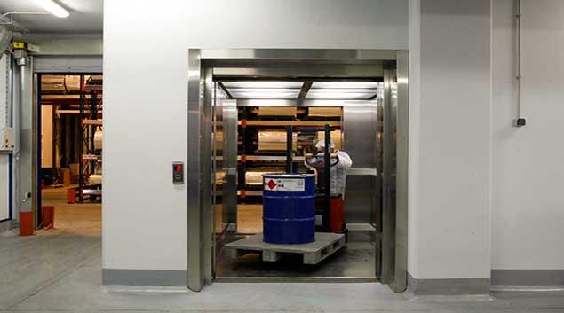مصعد البضائع
